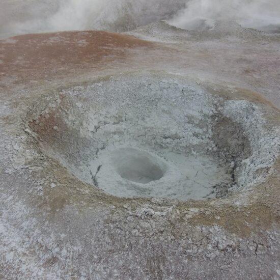 Bolivia-Eduardo-Avaroa-National-Reserve-Geysers
