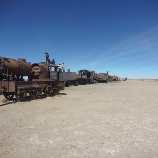 Bolivia-Salar-de-Uyuni-Train-Cemetery
