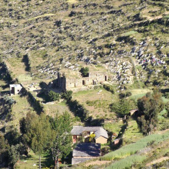 Bolivia-Titicaca-Lake-Isla-del-Sol-Inca-Ruins