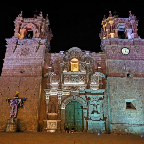 Titicaca-Puno-Plaza-de-Armas