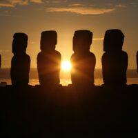 Chile-Rapa-Nui-Moai-Sunset