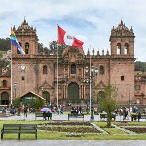 Peru-Cusco-Plaza-de-Armas